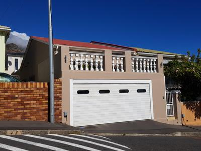 Property For Rent in Walmer Estate, Cape Town