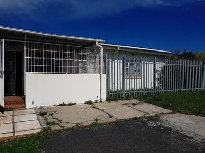 Property For Rent in Pinati, Cape Town