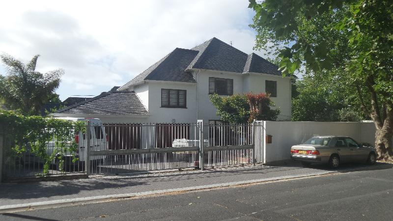 Property For Rent in Rondebosch, Cape Town 10