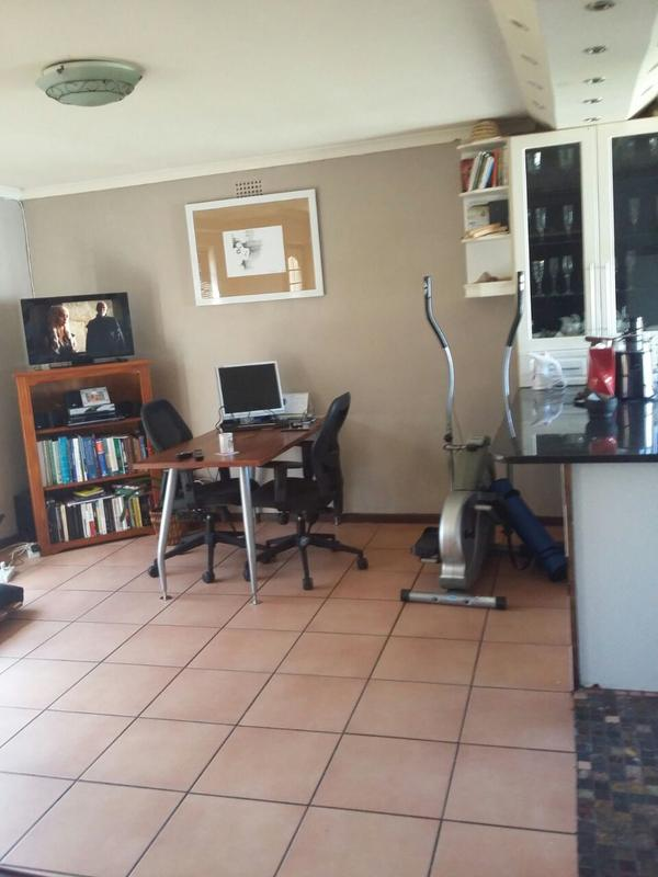 Property For Rent in Kenwyn, Cape Town 7