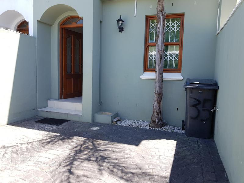 Property For Rent in Harfield Village, Cape Town 10
