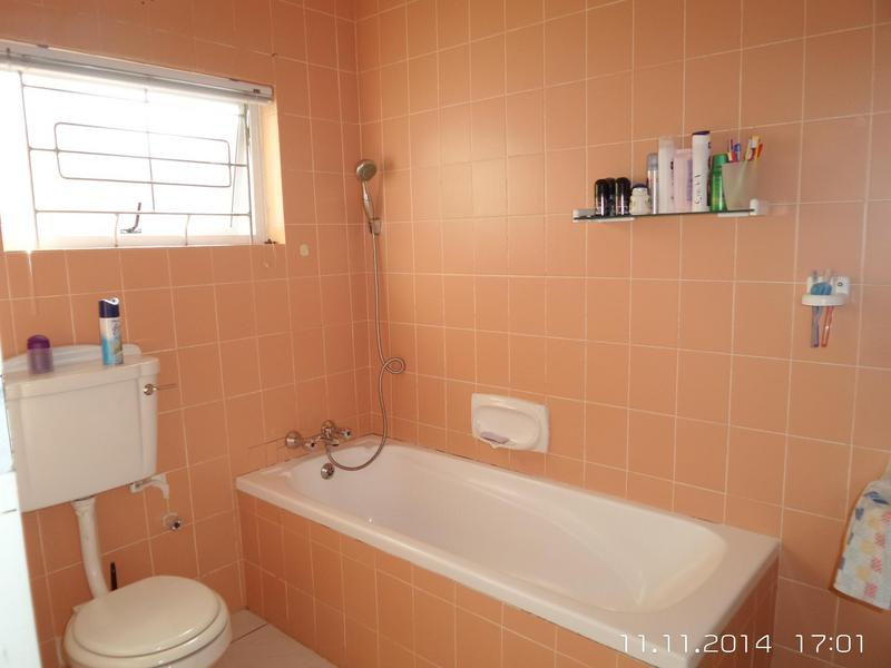 Property For Rent in Walmer Estate, Cape Town 12