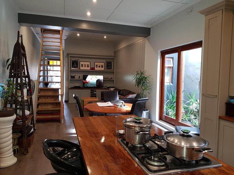 Property For Rent in Woodstock Upper, Cape Town 1