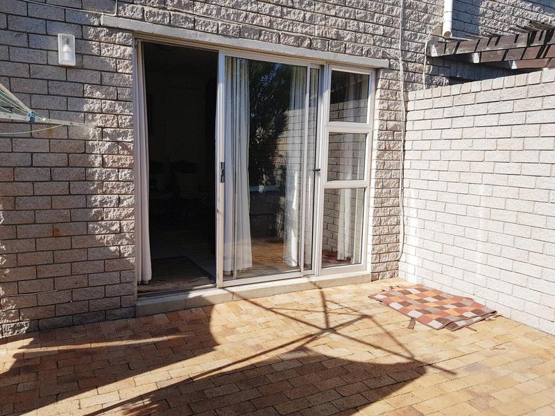 Property For Rent in Bloubergstrand, Cape Town 10