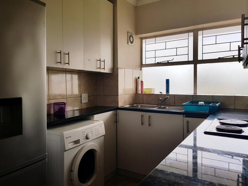 Property For Rent in Claremont, Cape Town 5