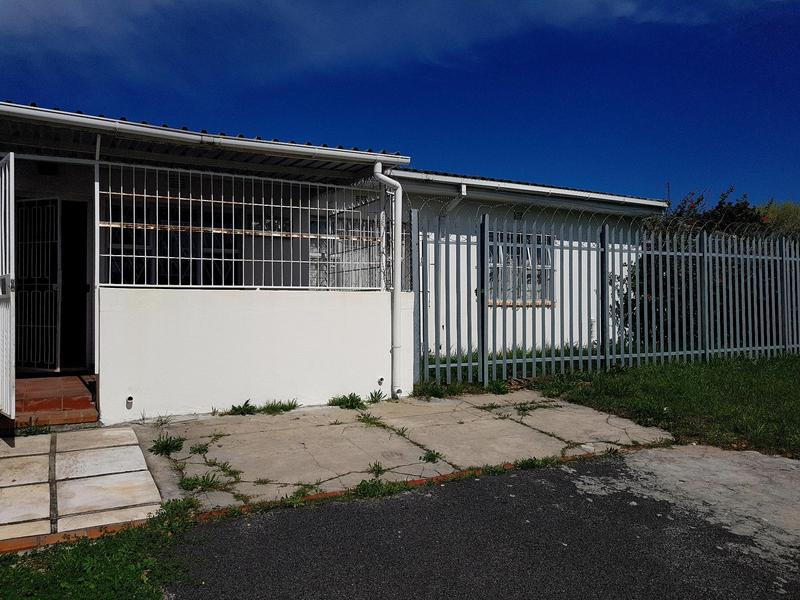 Property For Rent in Pinati, Cape Town 2
