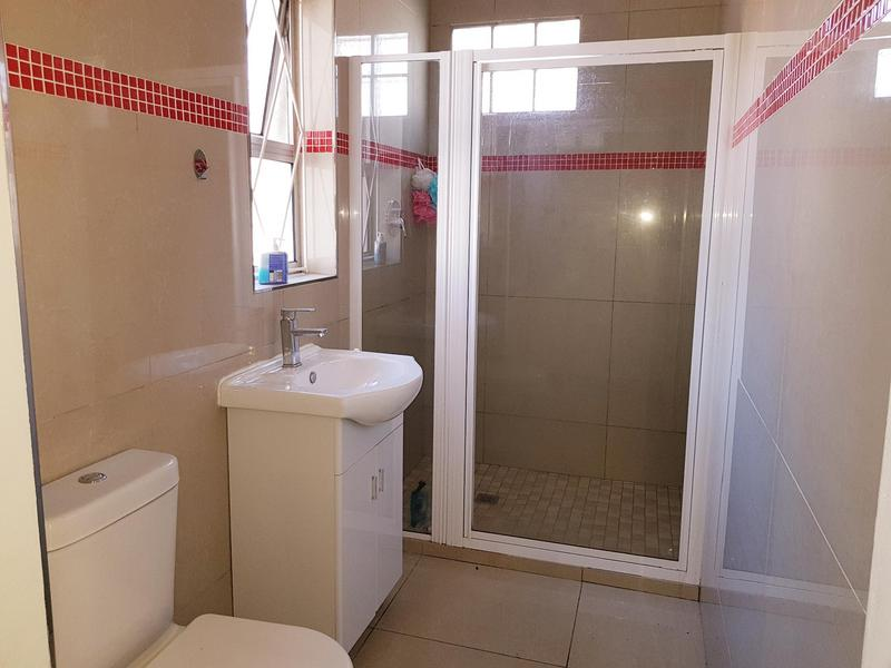 Property For Rent in Pinati, Cape Town 9