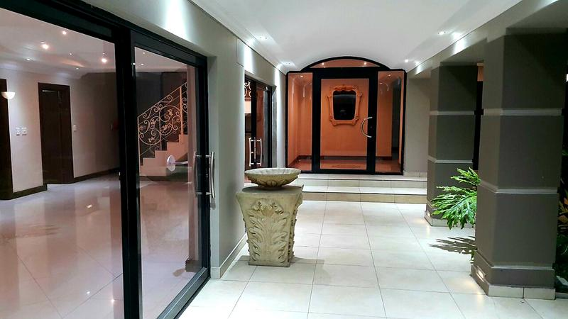Property For Rent in Bloubergstrand, Cape Town 4