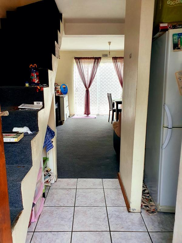 Property For Rent in Lansdowne, Cape Town 8